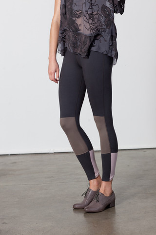 Sage Slick scallop seamed legging
