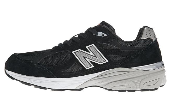 New Balance motion control shoes has a different colored Dual Density rubber on the arch side of the shoe