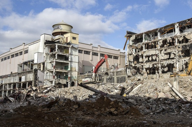 The Original 1903 Hershey's East Plant being torn down on 11/05/2012